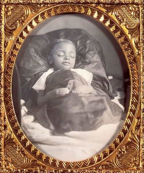 Postmortem Portrait of a Child 1855 57 Sixth Plate Dag_jpg